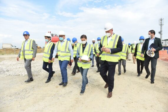 The Prime Minister of the Republic of Serbia and the Deputy Mayor of Belgrade visited the works at the Vinca landfill 1